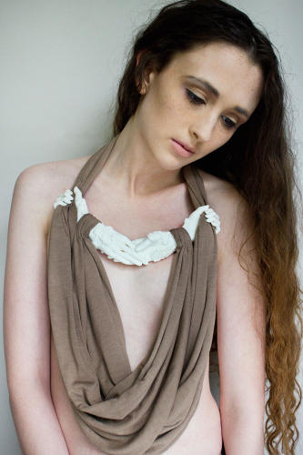 <p>Francesca Smith: Momento - Jewellery - Nylon rapid protoyped components combined with hair and silk jersey textiles.</p>