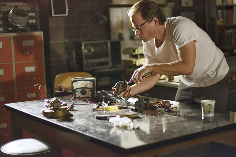 <p>Big Screen: <em>Flash of Genius,</em> featuring Greg Kinnear, suggests that Kearns's wife, stressed by the continuous stream of lawsuits, filed for divorce.<br /> Third Act: Kearns died of brain cancer in 2005 three years before the bio-pic hit theaters.</p>