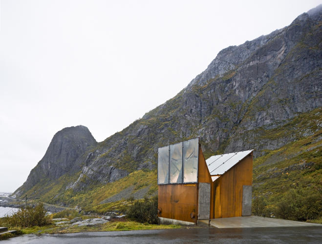 <p>A rest stop by the architect Manthey Kula.</p>