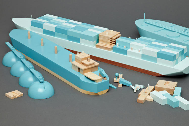 <p>The ships are produced by Papa Foxtrot, which specializes in developing toys based on real-world technology.</p>