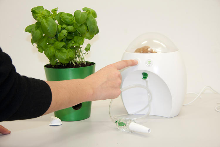 <p>And grinds food scraps with a touch of a button.</p>