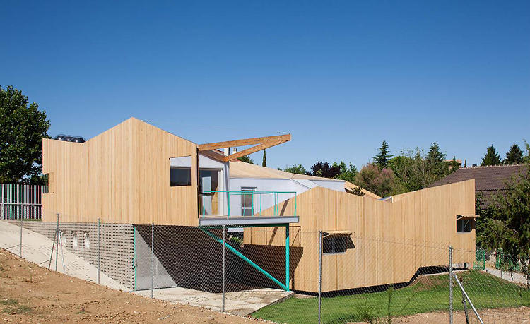 <p>House of Would, by elii, is a prefab home outside of Madrid.</p>