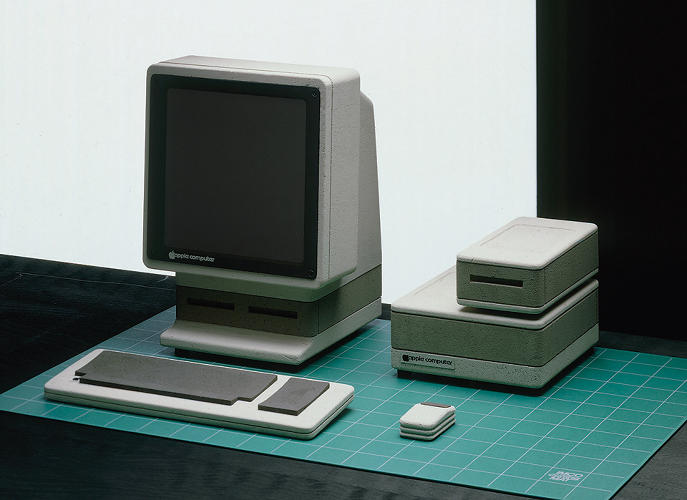 <p>Apple Snow White 1, &quot;Sony Style,&quot; 1982, inspired by Sony's success in making consumer electronics smarter and more compact.</p>