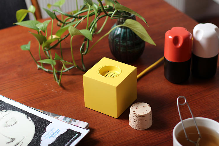 <p>Plugg, a prototype speaker by Skrekkøgle, turns on and off through the use of a cork stopper.</p>