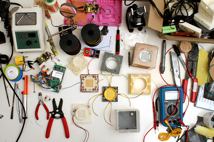 <p>Theo Tveterås and Lars Marcus Vedeler pulled apart--then reconstructed--radios, a power adapter, and trigger components for the on/off control to make their mini-sound-machine.</p>