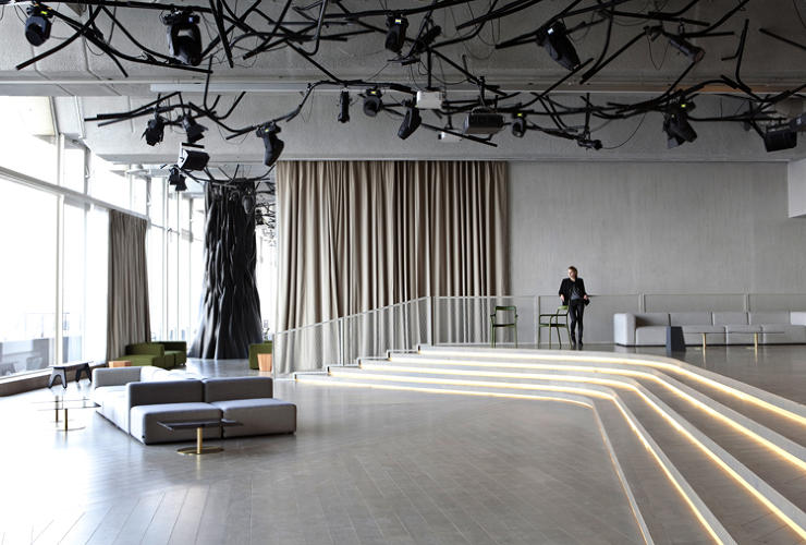 <p>Designed by <a href=&quot;http://www.mathieulehanneur.fr/&quot; target=&quot;_blank&quot;>Mathieu Lehanneur</a> in collaboration with architect Ana Moussinet, the venue does double duty: restaurant by day, club by night.</p>