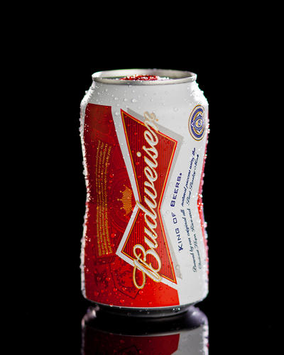 <p>Anheuser-Busch is releasing a new can for Budweiser.</p>