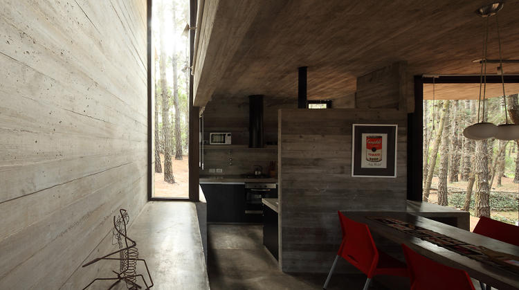 <p>The design of the house consists of five interconnected boxes, creating a series of interior spaces that bleed into the next.</p>