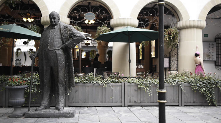 <p>A statue of Winston Churchill in Thames Town.</p>