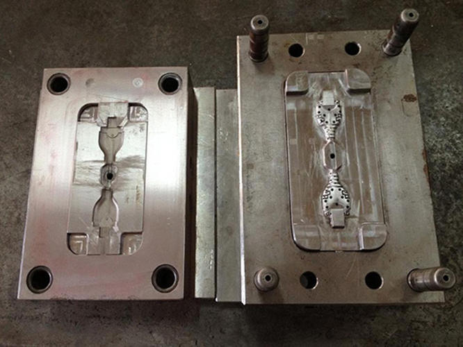 <p>Here, an injection mold for the Bobine.</p>