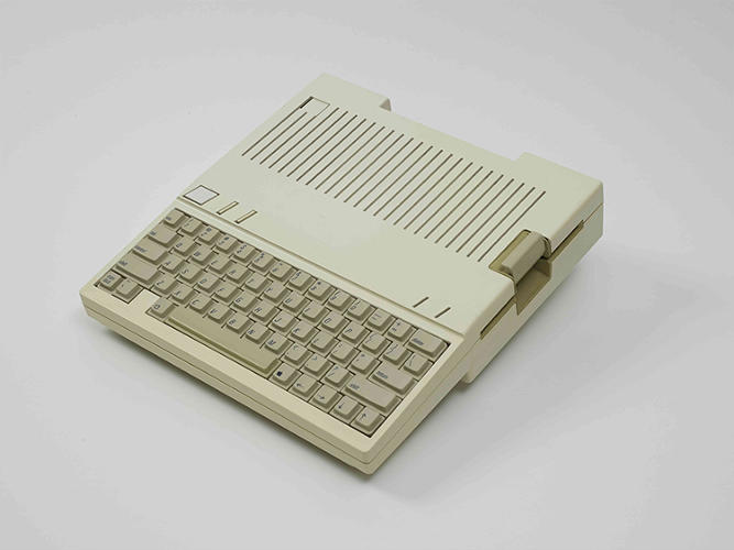 <p>Another item that didn't fetch a buyer: A 1983 Apple Prototype Computer.</p>