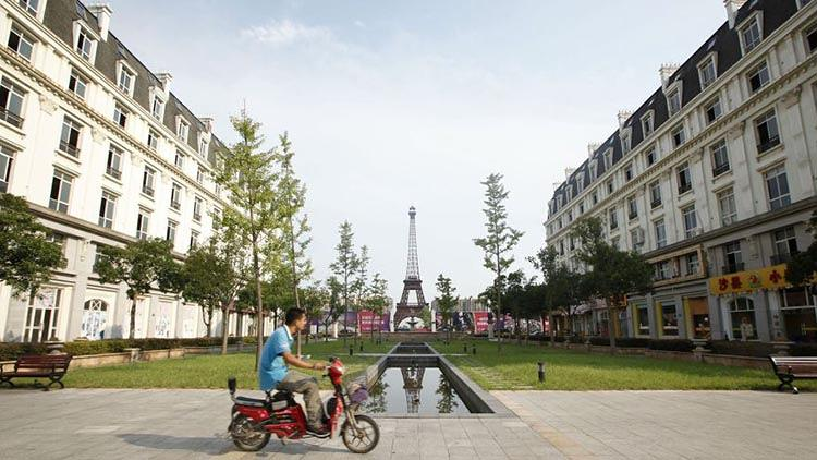 <p>Tianducheng is a small development just outside of Hangzhou that's made to look like an intimate, iconic slice of Paris.</p>