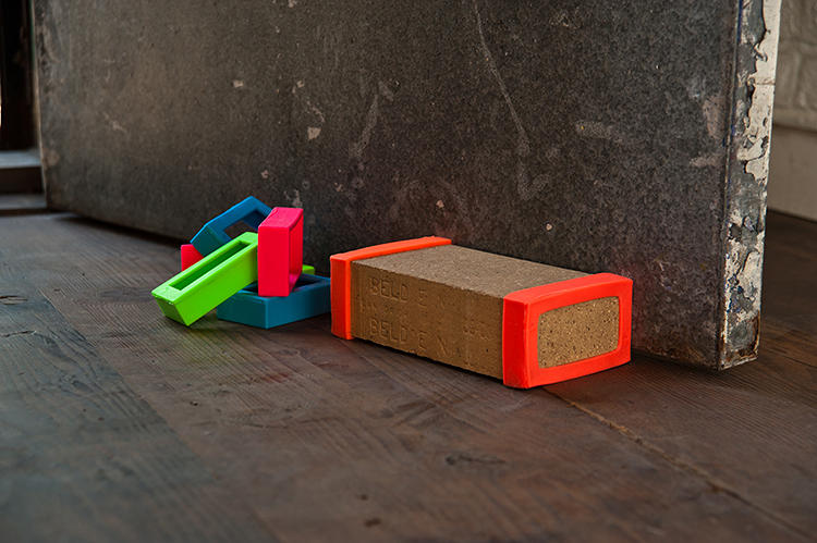 <p>Joel Seigle | <a href=&quot;http://www.joelseigle.com/index.php?/products/brick-bands/&quot; target=&quot;_blank&quot;>Brick Door Stop</a> | USA</p>
