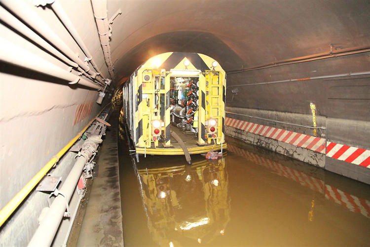 <p>A pump train draining the Cranberry Street Tunnel, which carries the A and C trains between Brooklyn and Manhattan underneath the East River.</p>