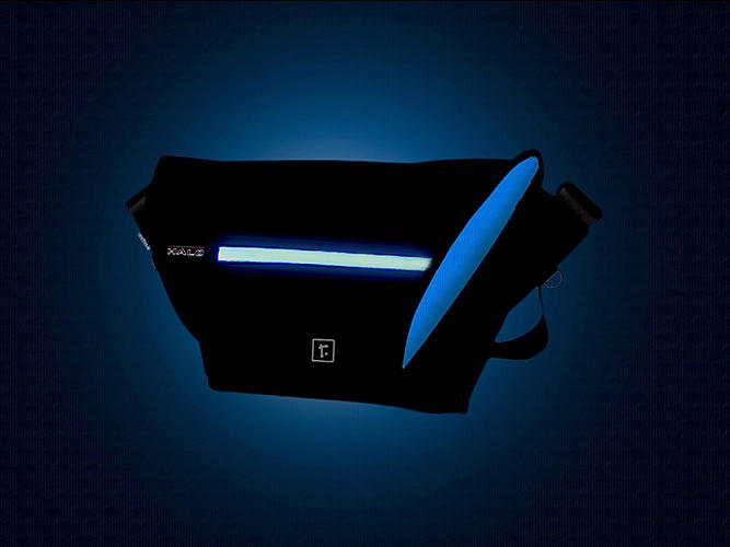 <p>The Halo Zero messenger bag is lluminated by ultra-bright LEDs.</p>