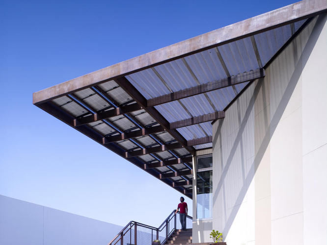 <p>Created by Brooks + Scarpa, this live/work space has almost net-zero energy use. The Venice, California, house produces all of its energy on-site with a 12-kW solar system, uses passive cooling, features native and drought tolerant plants, and has a green roof.</p>