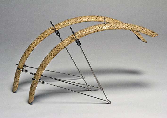 <p>The bike is built from hexagonal tubes made from bamboo and lined with carbon fiber.</p>