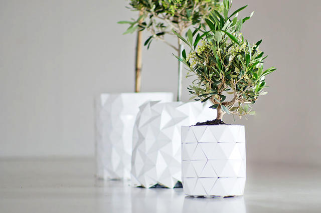 this origami pot grows along with a plant 39 s roots co design business design. Black Bedroom Furniture Sets. Home Design Ideas