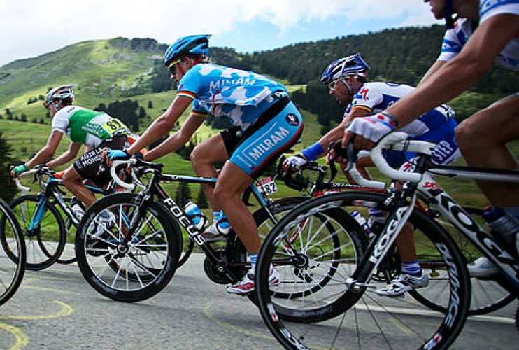 <p>Gerald Ciolek, who placed third overall with 172 points, making his way through the hills of Col des Mosses on July 19, 2009 during Stage 15. <br /> Photo: <a href=&quot;http://www.flickr.com/people/incuboy/&quot; target=&quot;_new&quot;>Patrick Frauchiger</a> </p>