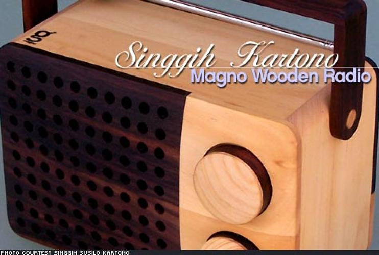 <p> In a green world, it's not enough for something to look good; it has to be good. The Singgih Kartono Magno Wooden Radio, made almost entirely of sustainably-harvested wood, is constructed by Indonesian carpenters in low-employment areas of that country. The designer, Singgih Kartono, intends the Magno Wooden radio to be both environmentally and socially sound – and it looks pretty good, too. Since it's compatible with modern MP3 players via inputs in the radio's rear, you won't sacrifice functionality for good conscience. </p>