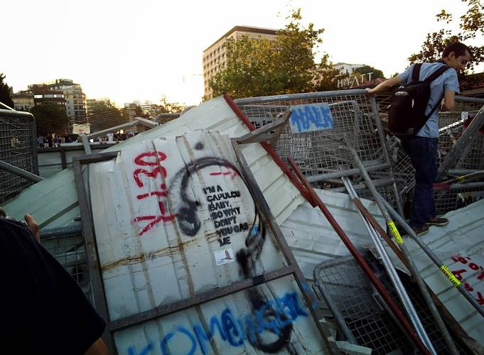 <p>Barricades near Istanbul's Gezi Park; picture taken with Glass.</p>