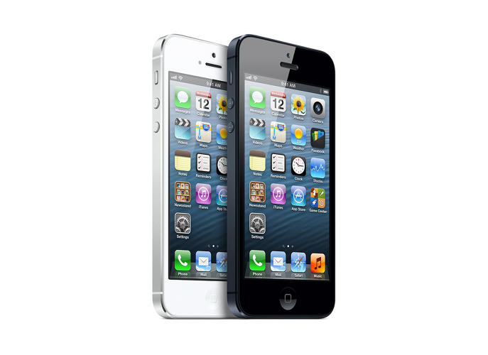 <p>The taller, lighter and thinner iPhone received high praise for its design as it swapped the weaker aluminum for stainless steel. But much of the discussion revolved around the problems of iOS 6.</p>