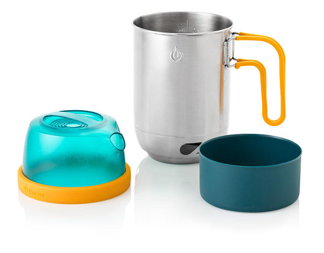 <p>Kettle Pot acts as a pot-and-thermos in one, streamlining packing and making pouring hot water easier (and safer).</p>