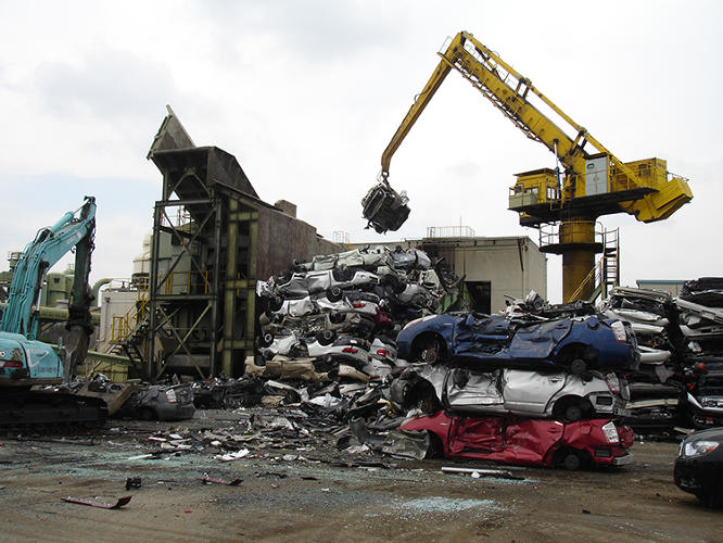 <p>Test cars being fed into a <a href=&quot;http://shanghaiscrap.com/2013/10/7639/&quot; target=&quot;_blank&quot;>giant auto shredder</a> at a Toyota facility in Nagoya, Japan.</p>