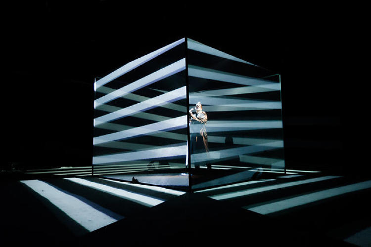 <p><strong>Flat-e Cube</strong><br /> Musician Jamie Lidell may take the award for the most incredible stage (and video) of the year. Developed by Flat-e, Lidell performs inside a stunning cube that can respond to the tilt of his mic. [<a href=&quot;http://www.fastcodesign.com/1671755/an-amazing-3-d-light-show-you-can-jam-with-a-mic&quot; target=&quot;_self&quot;>Link</a>]</p>