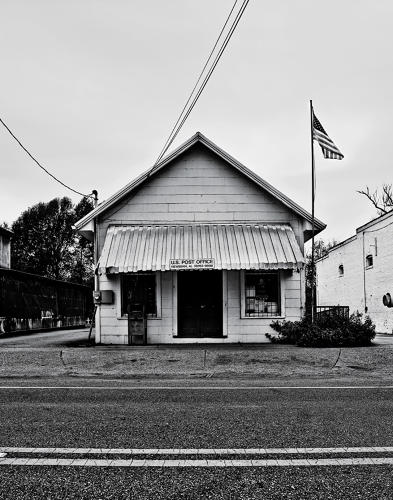 <p>The Newbern post office was erected in 1940, and is still in use.</p>