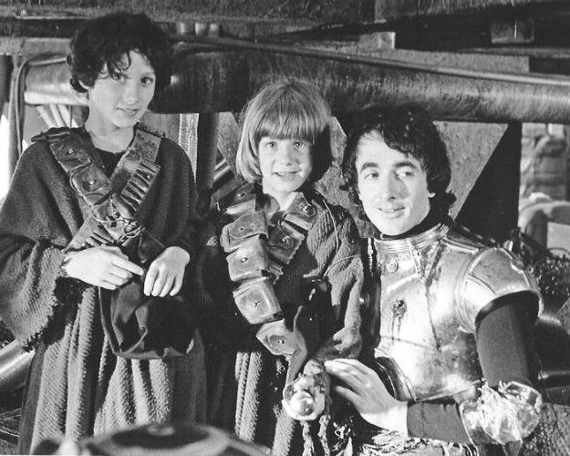 <p>Another look at the kids who played Jawas.</p>
