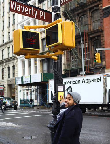 <p>Their idea, which is currently debuting on a street corner in Manhattan, involves two screens, looking like typical yellow signal boxes. They broadcast messages based on conditions at the intersection at any time.</p>