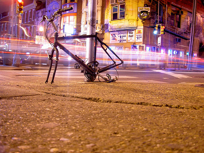 <p>It's the sort of urban trash that usually gets ignored: Abandoned bikes chained to street lights or bike racks, with missing wheels or seats.</p>