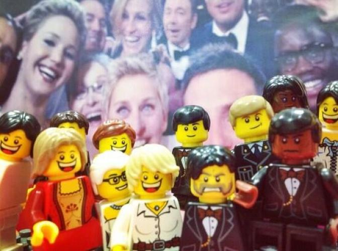 <p>@mitchellbyars:<a href=&quot;https://twitter.com/mitchellbyars/status/441950162290610177&quot; target=&quot;_blank&quot;> Is it just me, or did the Lego Oscar selfie take some &quot;creative&quot; liberties with J-Law's dress?</a></p>