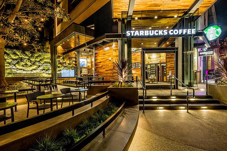 Starbucks S Disneyland Store Is Surprisingly Classy Co