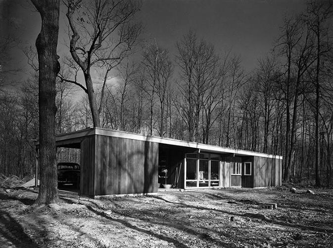 <p>A pre-built house for the U.S. Department of Housing, designed by Norman Cherner, in Washington, D.C., 1957.</p>