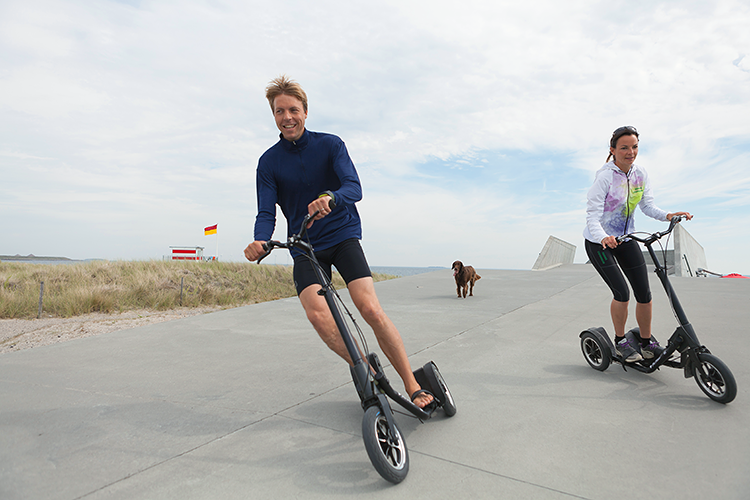 <p>With three wheels, the Me-Mover lets someone ride upright--a little like a Segway or another recent design, the Halfbike--and pump pedals up and down for a high-intensity workout.</p>