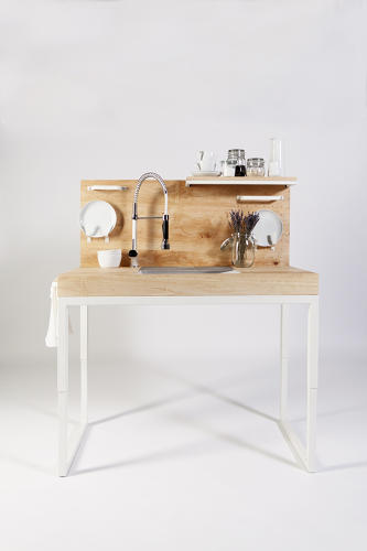 <p>Dirk Biotto created a kitchen prototype that aims to make cooking a meal easier and safer.</p>