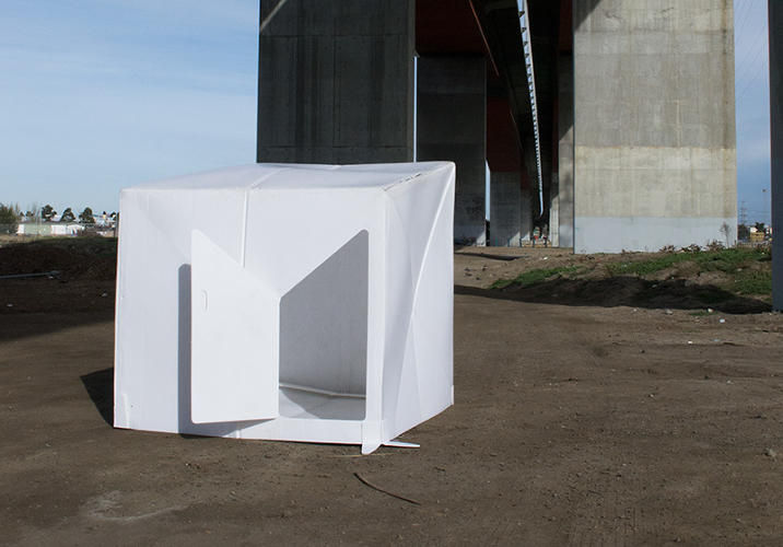 <p>Folded flat, the whole shelter is less than 3 inches thick and weighs only 35 pounds, easy for someone to carry by hand or to stuff on a shipping container.</p>