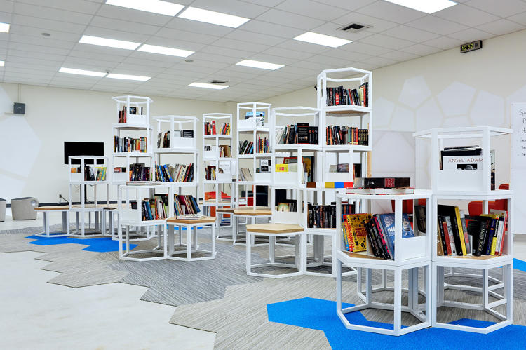 <p>A year ago, the library at Locke High School in LA didn't get a lot of use.</p>