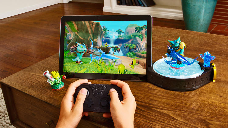 <p><em>Skylanders: Trap Team</em> for tablet comes with a portal that connects via blutooth to Android tablets, iPads, and Kindle Fires.</p>