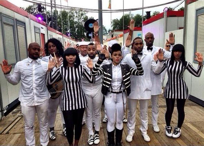 <p>Singer <strong>Janelle Monae</strong> takes a stand for Mike Brown. <a href=&quot;https://twitter.com/HodanLioness/status/500006770149183488&quot; target=&quot;_blank&quot;>&quot;Hands up, don't shoot.&quot; </a></p>