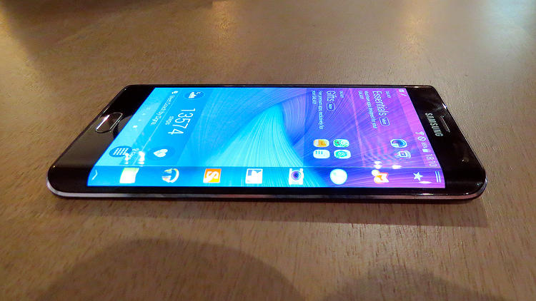 <p><strong>Samsung's Galaxy Note Edge</strong> has a multipurpose panel on its curved right edge.</p>