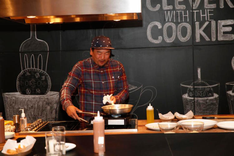 <p>The Snack Hacks web series pitches Oreos to the web's foodies, recruiting hip L.A. chefs such as food-truck legend Roy Choi to make dishes using the cookies. Choi makes Golden Oreo–crusted fried chicken with banana ketchup. The videos are slick and well-produced enough to run on Food Network—if it were cool enough to run them.</p>