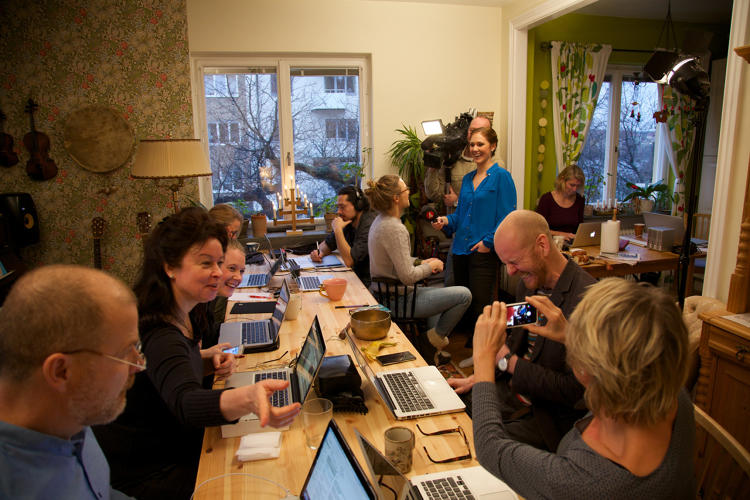 <p>A new Swedish project aims to help freelancers find it easier to get things done, by transforming apartments and homes into temporary coworking spaces.</p>