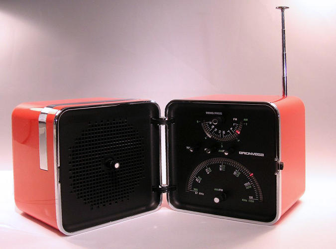 <p><a href=&quot;http://www.moma.org/collection/works/4034&quot; target=&quot;_blank&quot;>TS 502 radio</a> for Brionvega (with Marco Zanuso), 1963</p>