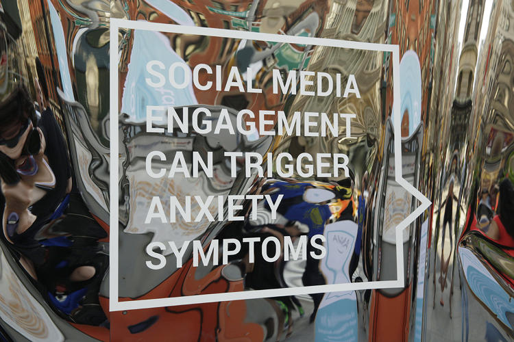 How can I formulate a research paper thesis on Addiction to Social Networking?