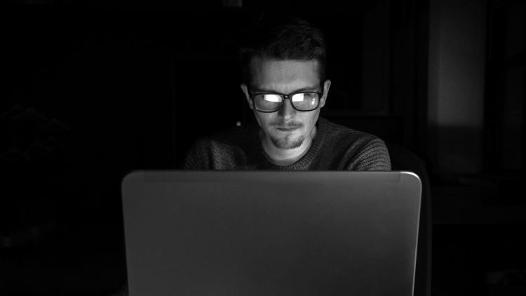 <p>How many times a day do you check your email? Author Chris Bailey does it only once, at 3 p.m. Here's a look at his method.</p>