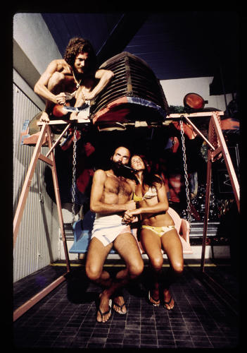 <p>UFO, lovers on a swing chair, Bamba Issa, Forte dei Marmi, 1970.</p>