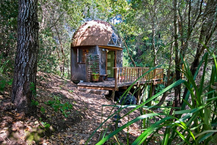 <p><a href=&quot;https://www.airbnb.com/rooms/8357&quot; target=&quot;_blank&quot;>Mushroom Dome Cabin</a> in Aptos, California</p>